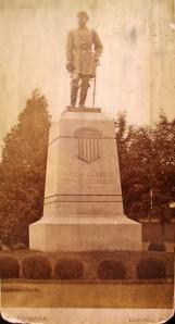 Reynolds portrait statue