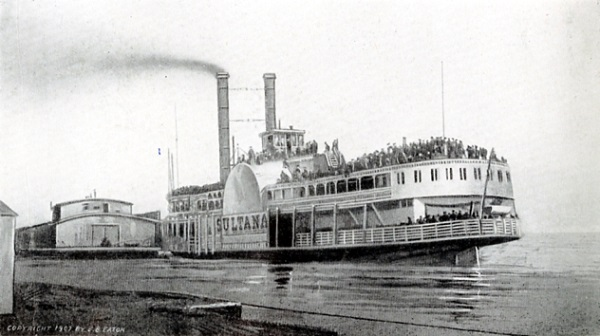 "The ""Sultana"" at Helena, Arkansas, on April 26, 1865, with a crowd of paroled prisoners on her decks"